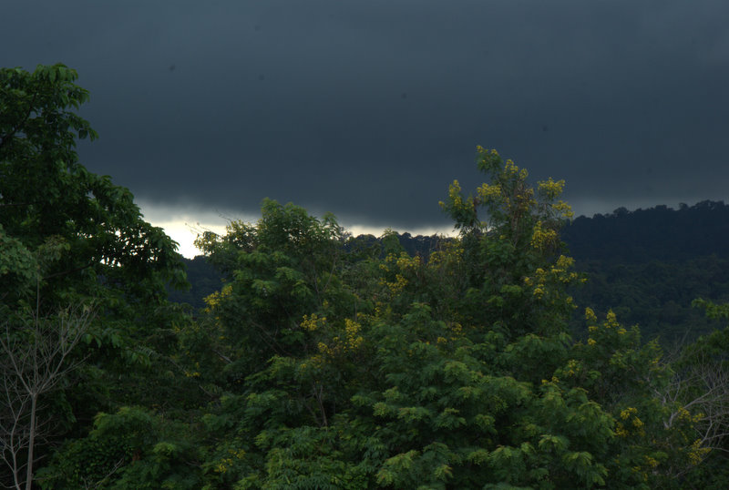1450 km pickupem: Isaan, Mekong, pamiątki Khmerów 3