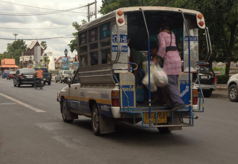 1450 km pickupem: Isaan, Mekong, pamiątki Khmerów 7