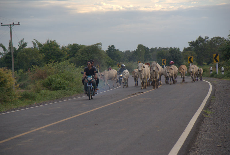 1450 km pickupem: Isaan, Mekong, pamiątki Khmerów 15
