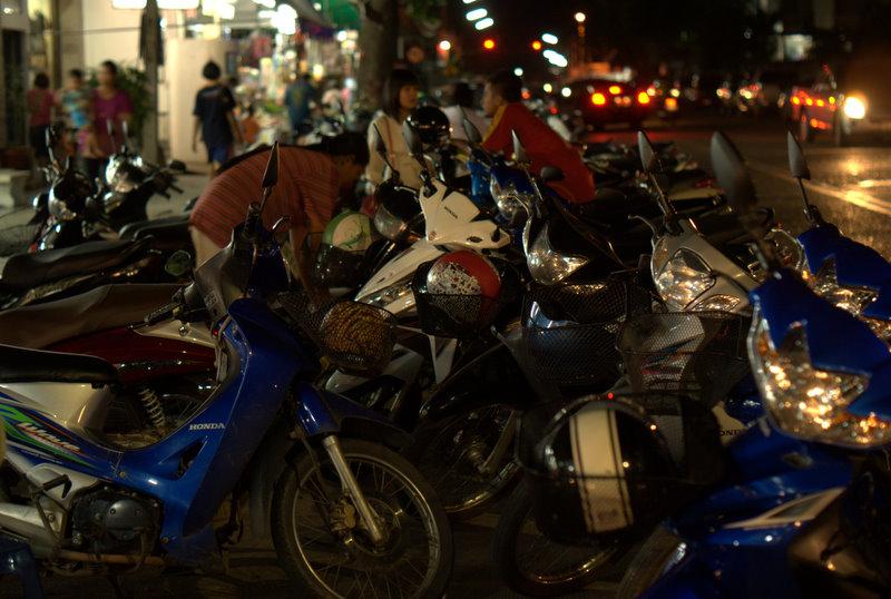 1450 km pickupem: Isaan, Mekong, pamiątki Khmerów 22