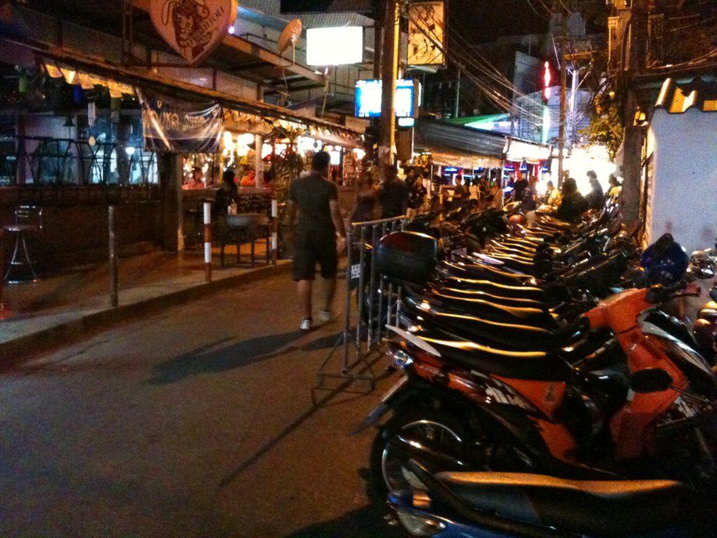 Do Pattayi (niekoniecznie) i byle nie dostać mandatu! 76