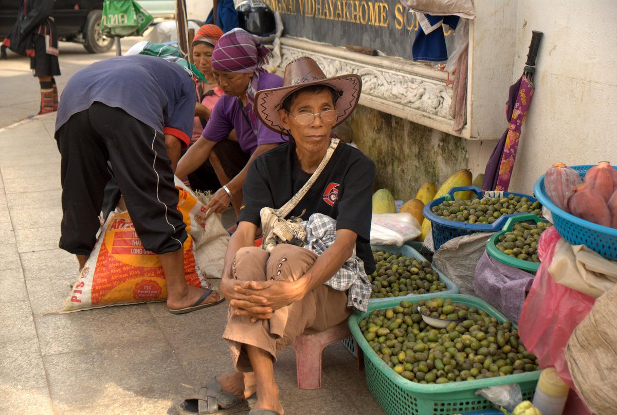 Zaliczyć Birmę, spróbować kasztanów i uciec przed powodzią 101