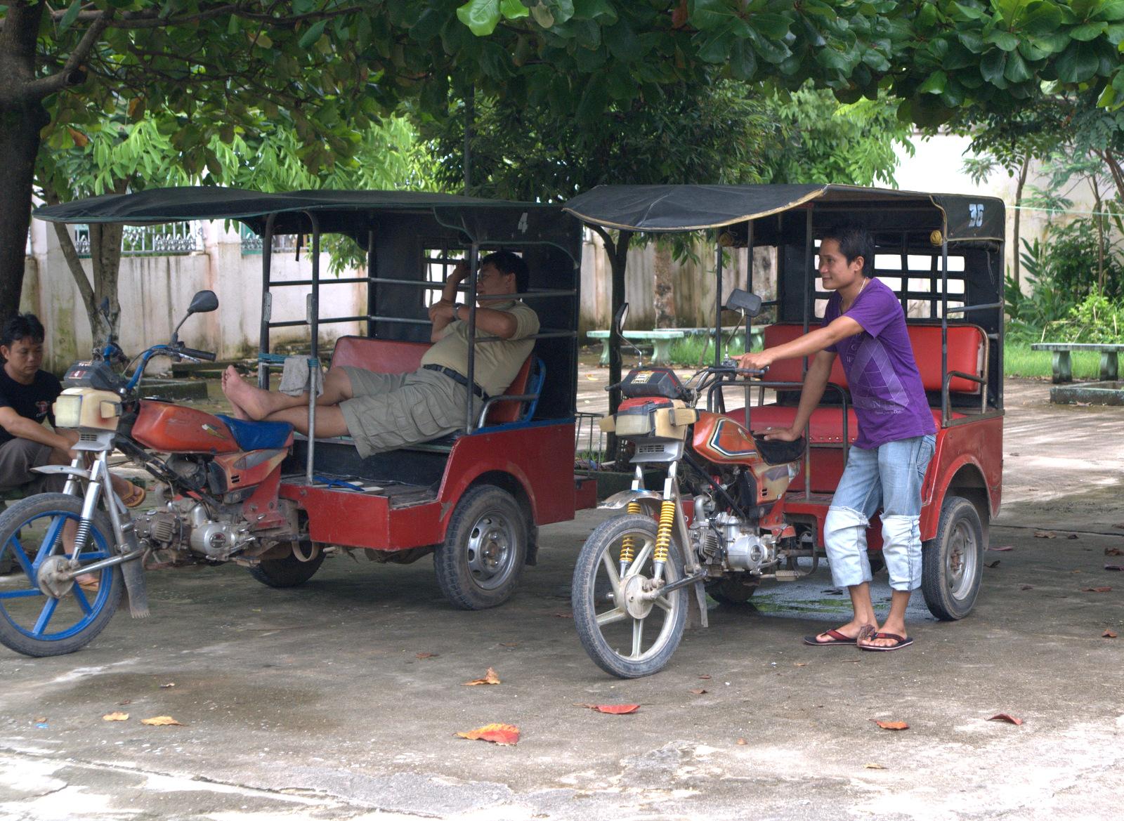 Zaliczyć Birmę, spróbować kasztanów i uciec przed powodzią 114