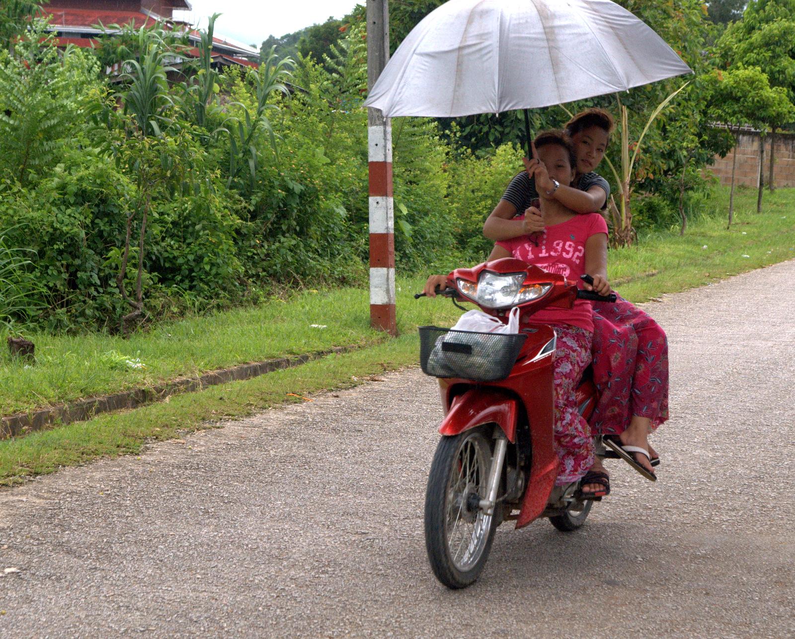 Zaliczyć Birmę, spróbować kasztanów i uciec przed powodzią 115