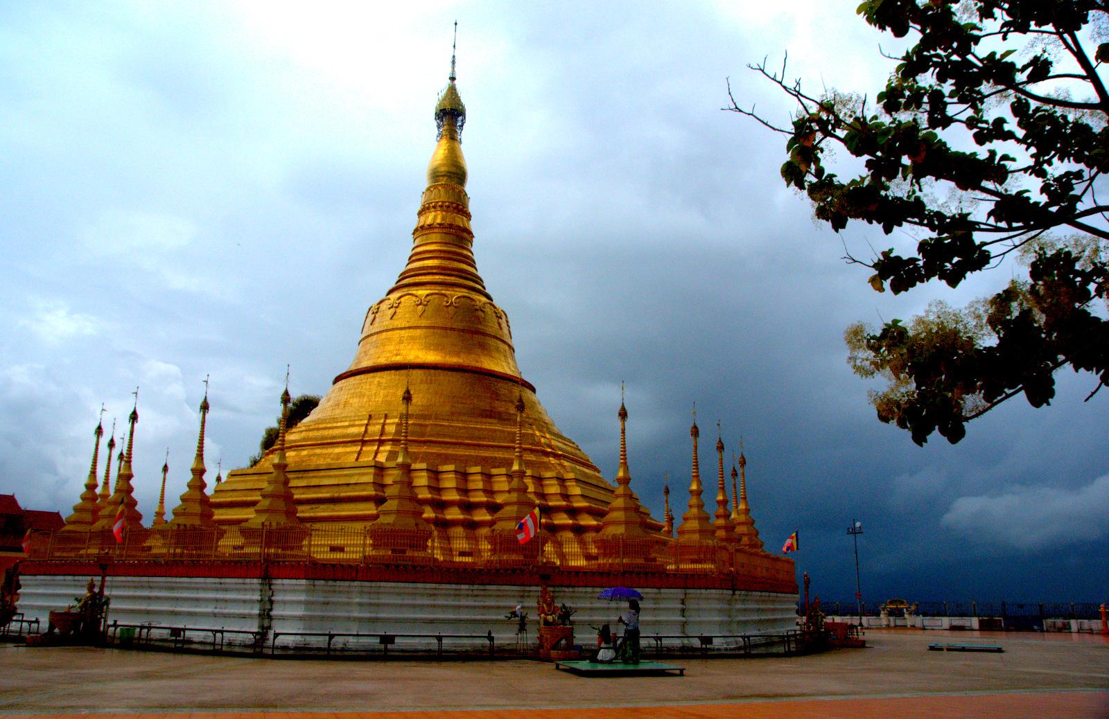 Zaliczyć Birmę, spróbować kasztanów i uciec przed powodzią 118