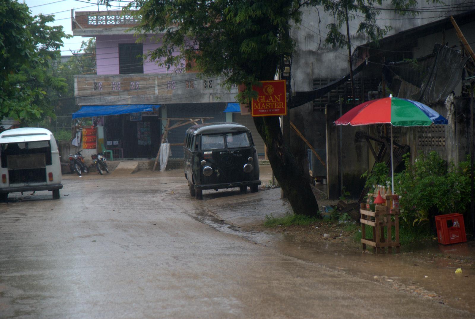 Zaliczyć Birmę, spróbować kasztanów i uciec przed powodzią 126