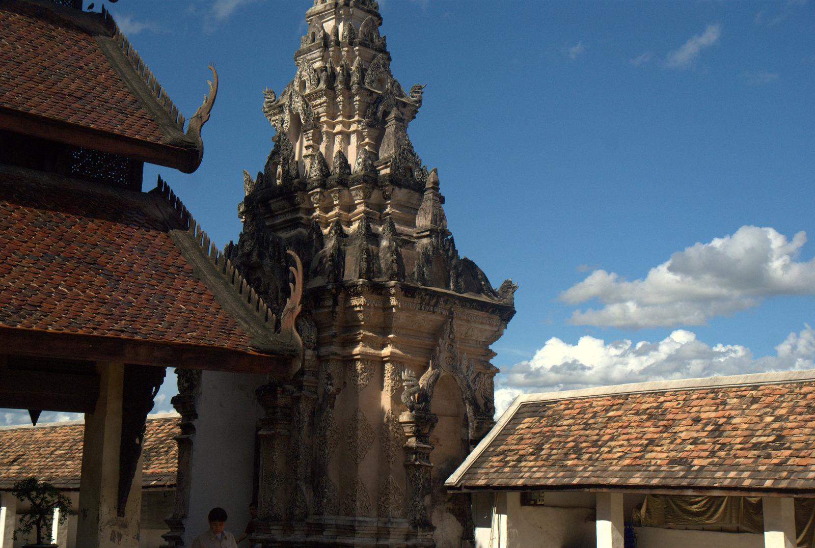 Miasta kultu, miasta małp, ale najbardziej Lampang 129
