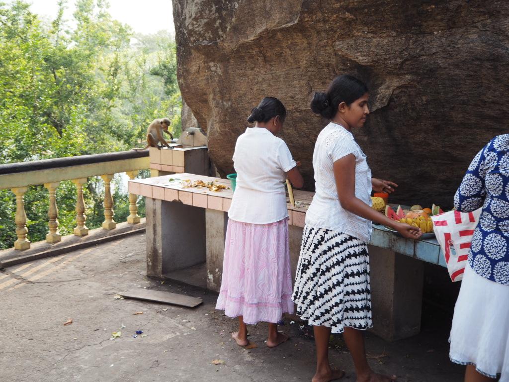 Etap 2: Jak przeżyć drogę autobusem do Colombo? 3