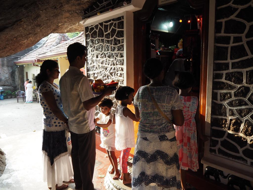 Etap 2: Jak przeżyć drogę autobusem do Colombo? 4