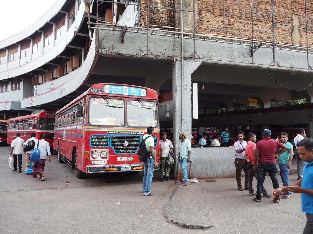 Etap 2: Jak przeżyć drogę autobusem do Colombo? 12