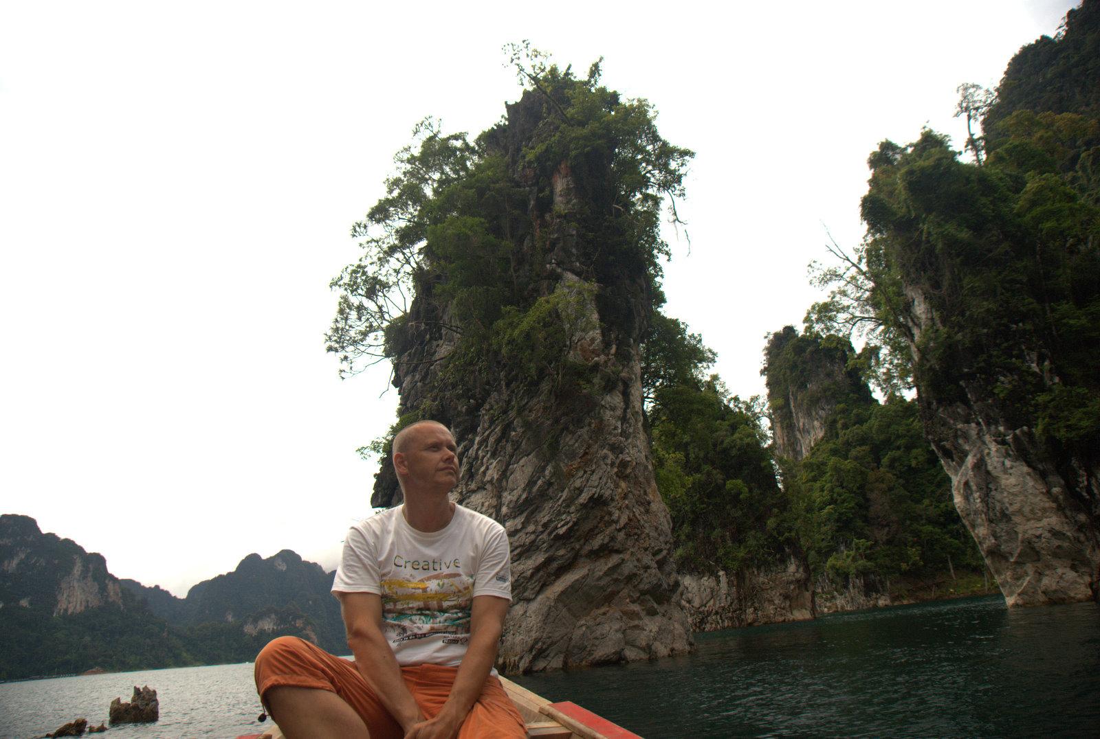 Jeziorem Cheow Lan, dżunglą, na plażę Railey 92