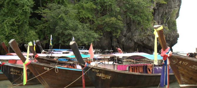 Jeziorem Cheow Lan, dżunglą, na plażę Railey