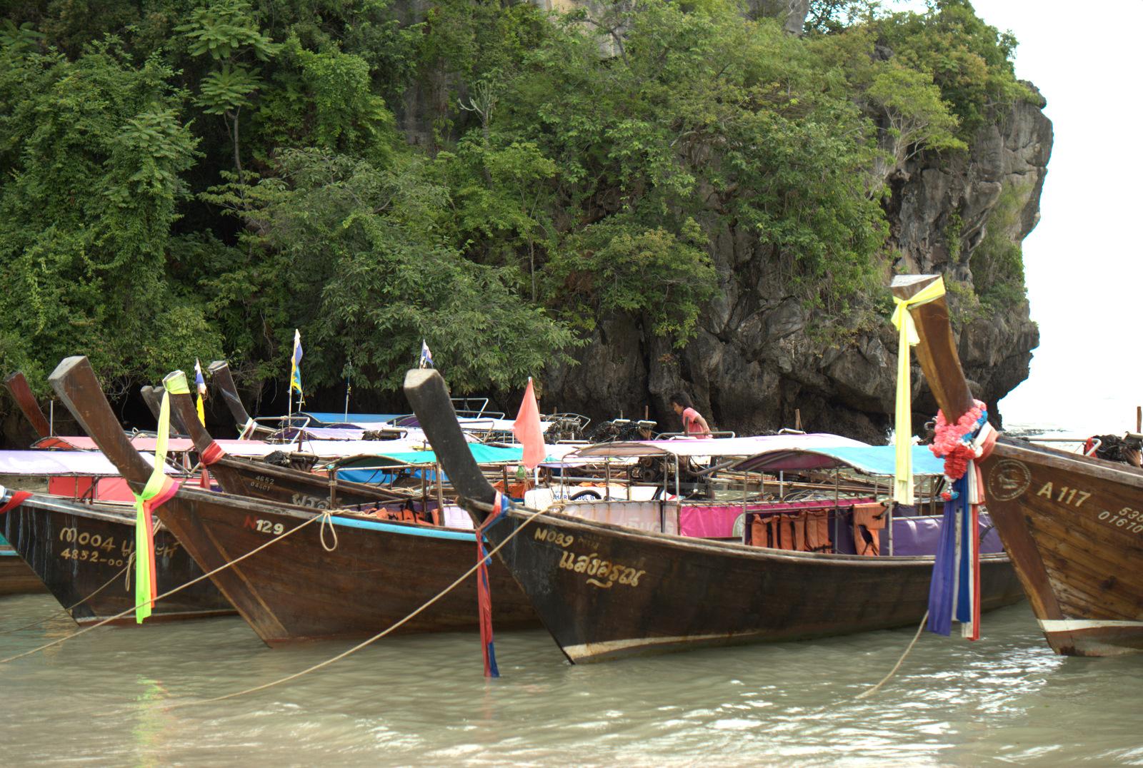 Jeziorem Cheow Lan, dżunglą, na plażę Railey 116