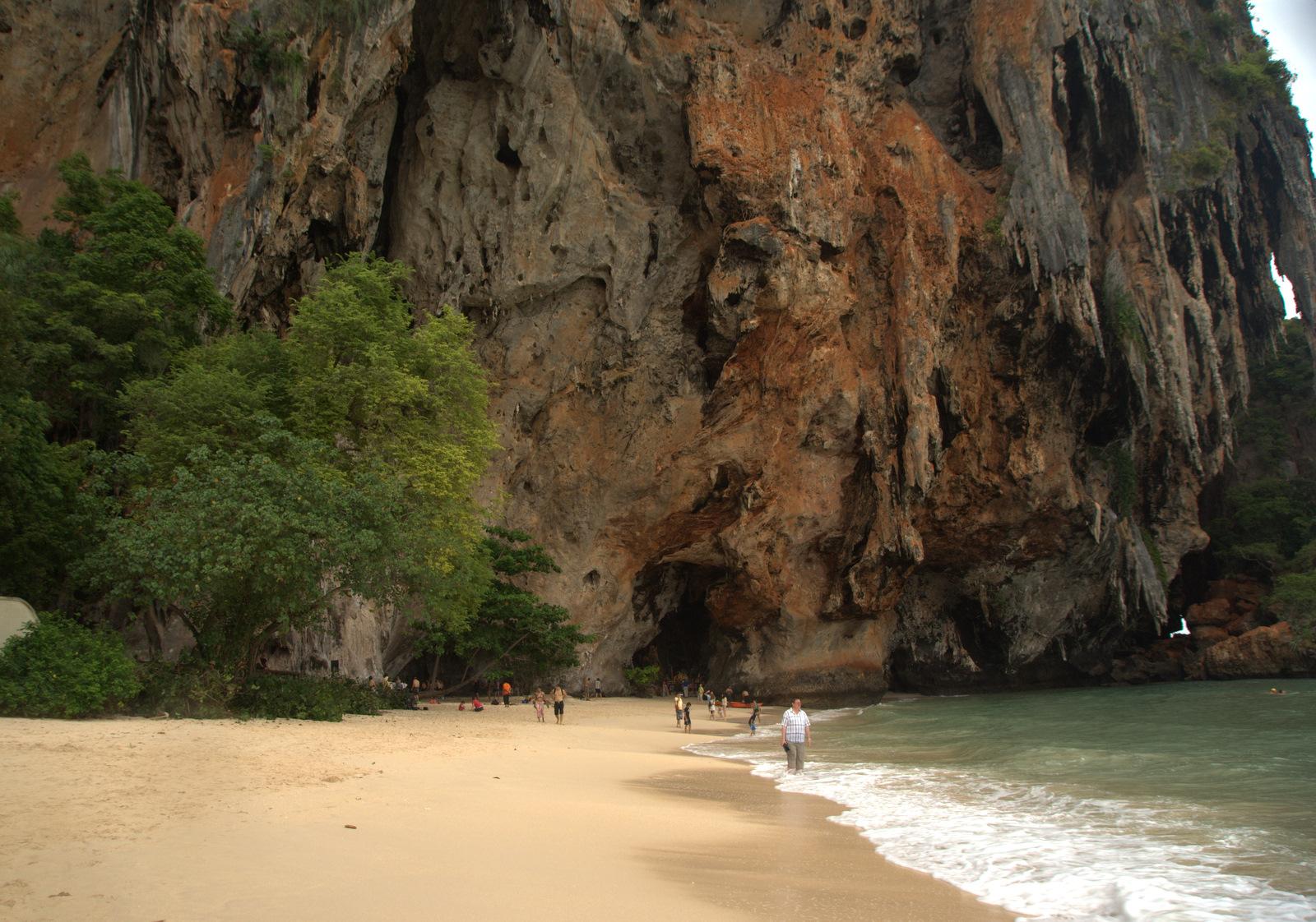 Jeziorem Cheow Lan, dżunglą, na plażę Railey 120