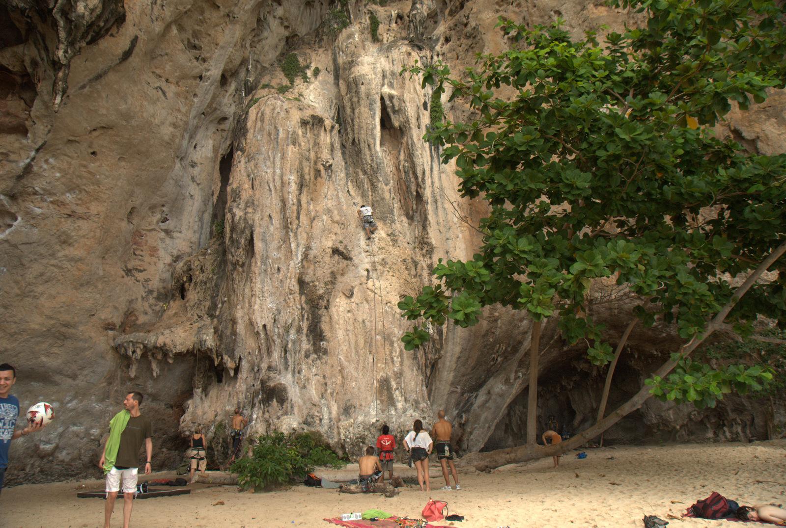 Jeziorem Cheow Lan, dżunglą, na plażę Railey 124