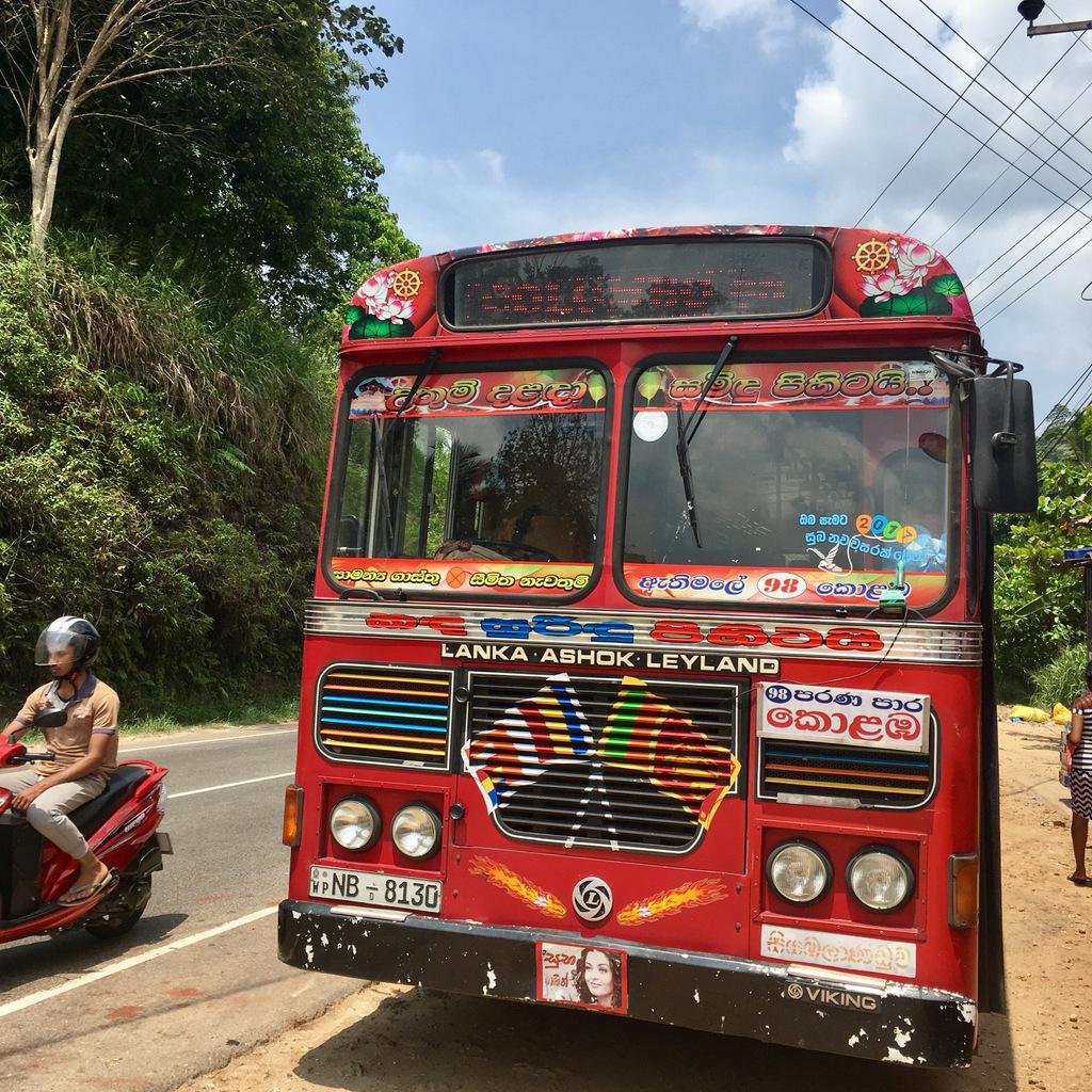 Etap 2: Jak przeżyć drogę autobusem do Colombo? 6