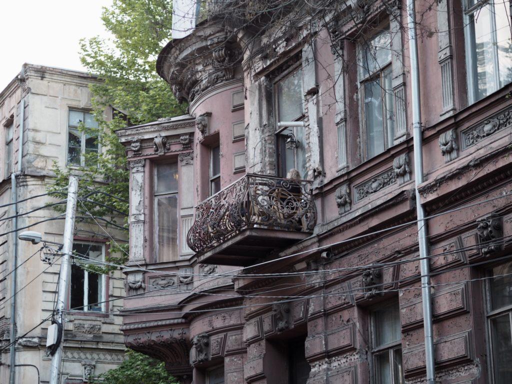 Tbilisi. Piękne, fascynujące, choć ciągle ranne po trzęsieniu ziemi 77