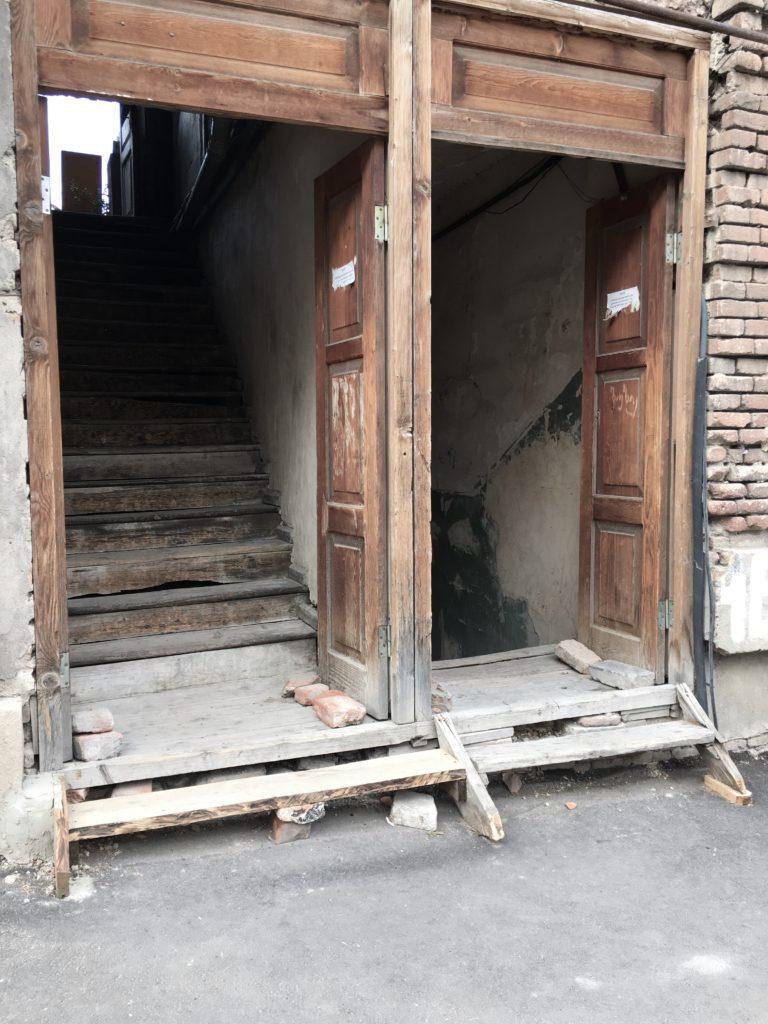 Tbilisi. Piękne, fascynujące, choć ciągle ranne po trzęsieniu ziemi 79