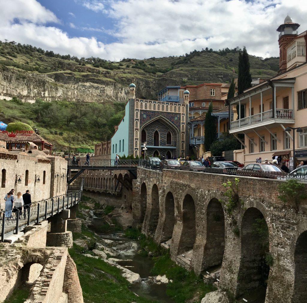 Tbilisi. Piękne, fascynujące, choć ciągle ranne po trzęsieniu ziemi 71