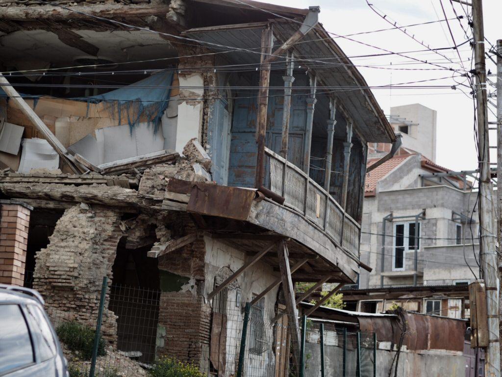 Tbilisi. Piękne, fascynujące, choć ciągle ranne po trzęsieniu ziemi 75