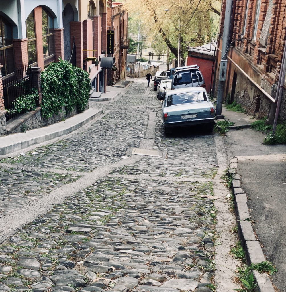 Tbilisi. Piękne, fascynujące, choć ciągle ranne po trzęsieniu ziemi 82