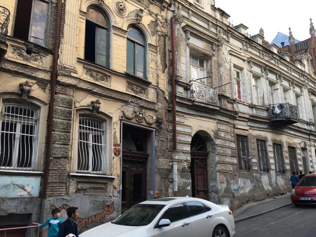 Tbilisi. Piękne, fascynujące, choć ciągle ranne po trzęsieniu ziemi 76