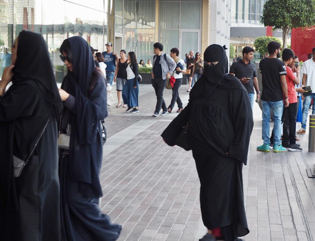 Etap 8: Dubaj. Limuzyną z lotniska 40
