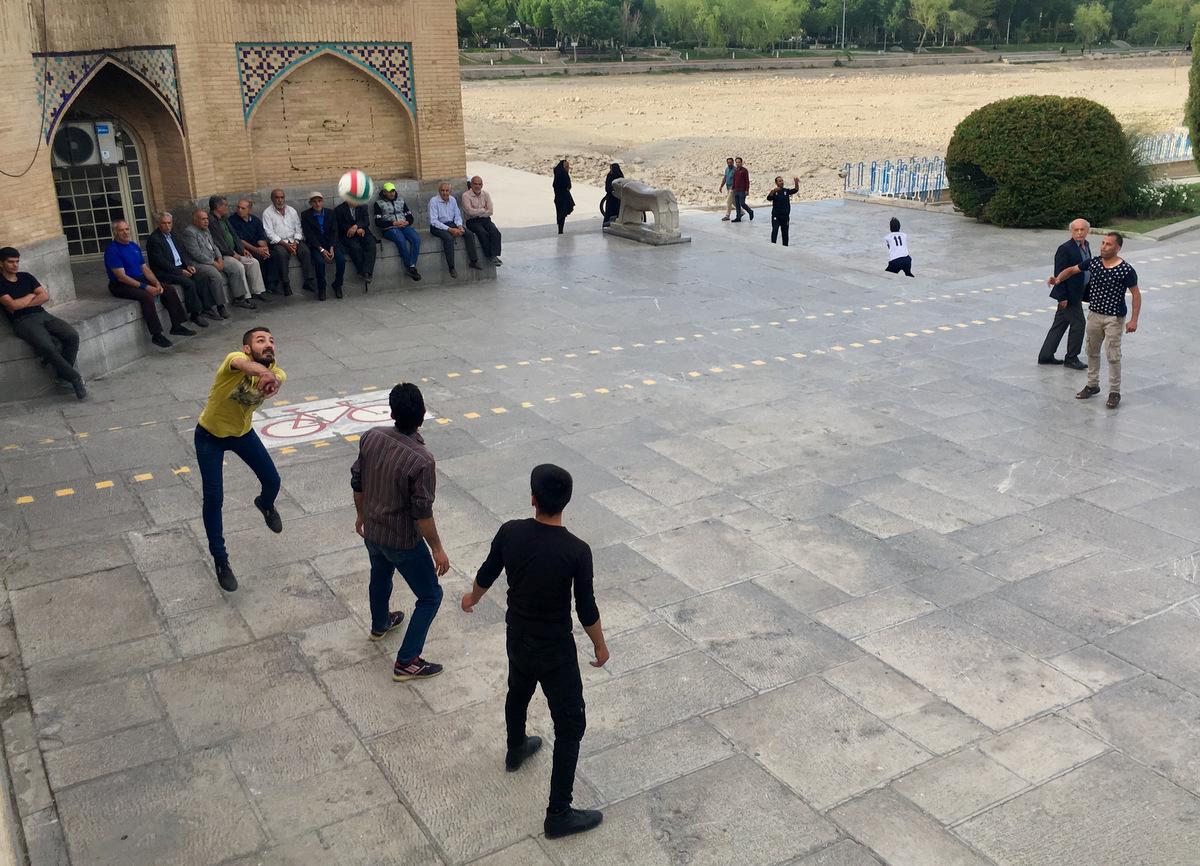 Gruzja-Armenia-Iran-Stambuł. Dzień 15: Mosty Esfahanu i piękni ludzie 5