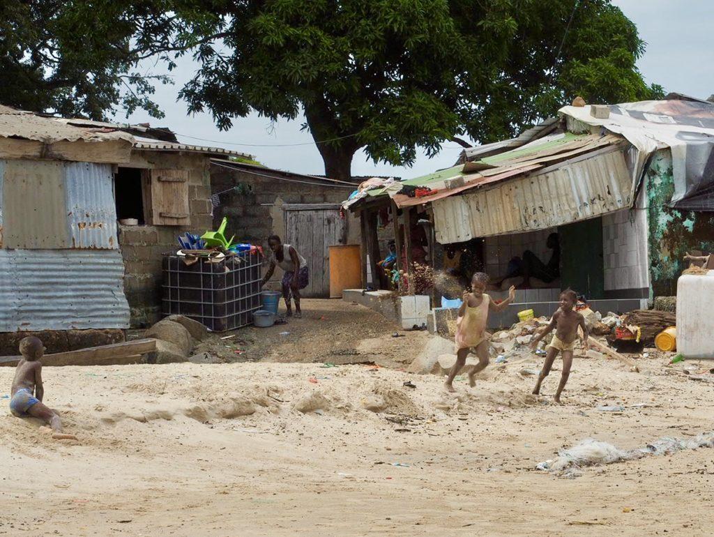 Kassa. Plaża Sorgo. To mógłby być raj. Zapiski z Afryki (8) 13
